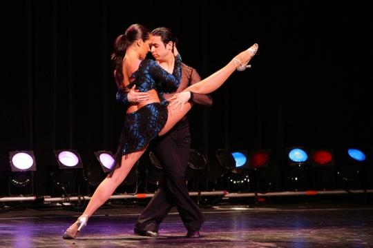 Прекрасный танец сальса