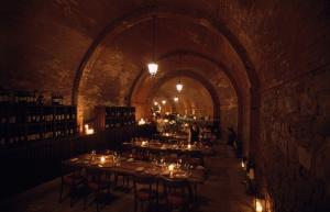 Castel Monastero ресторан фото
